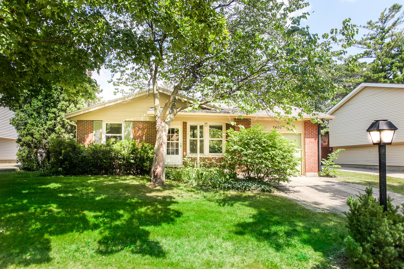 Photo of 2408 Willow Lane  ROLLING MEADOWS  IL