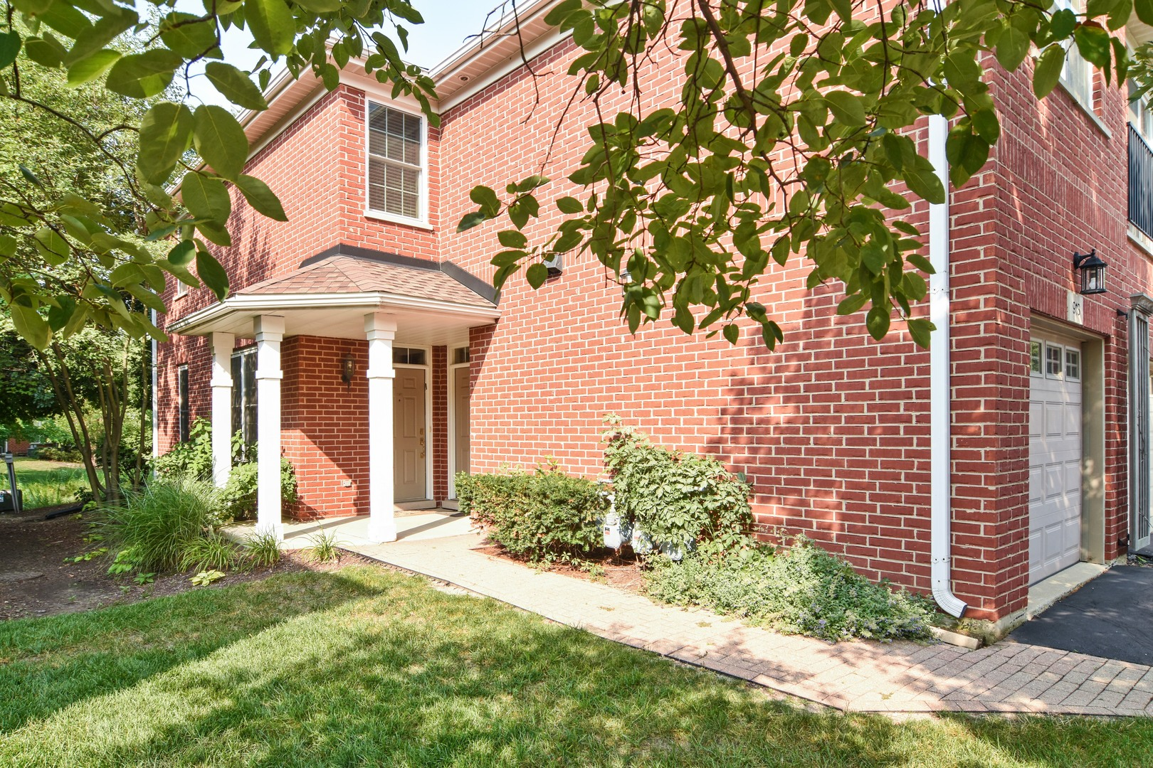 Photo of 917 Bromley Place  NORTHBROOK  IL
