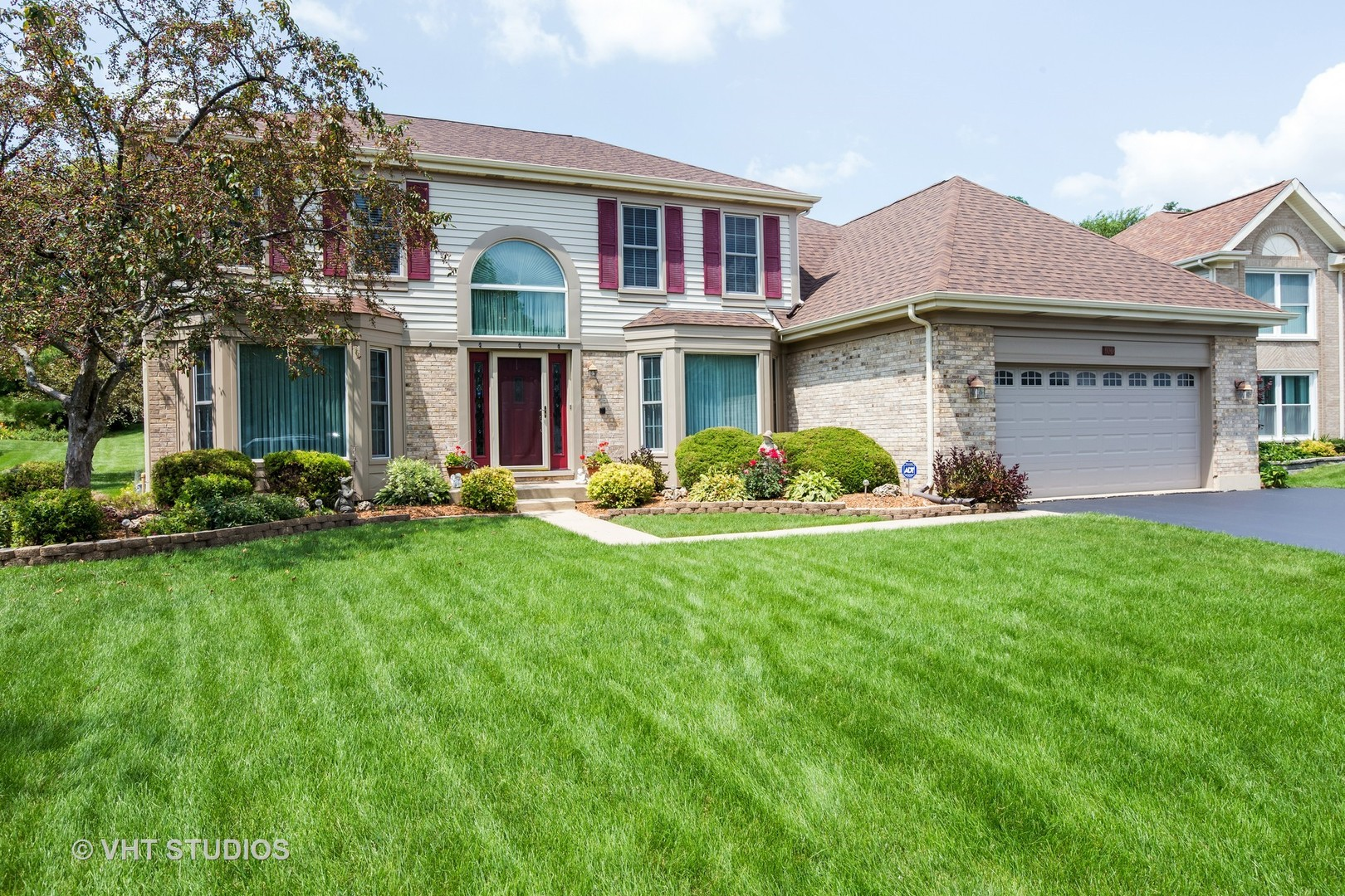 100 Arquilla Drive, Algonquin in Mc Henry County, IL 60102 Home for Sale