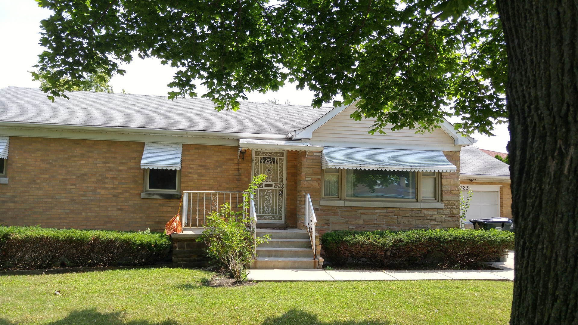 Photo of 6723 North Central Park Avenue  LINCOLNWOOD  IL
