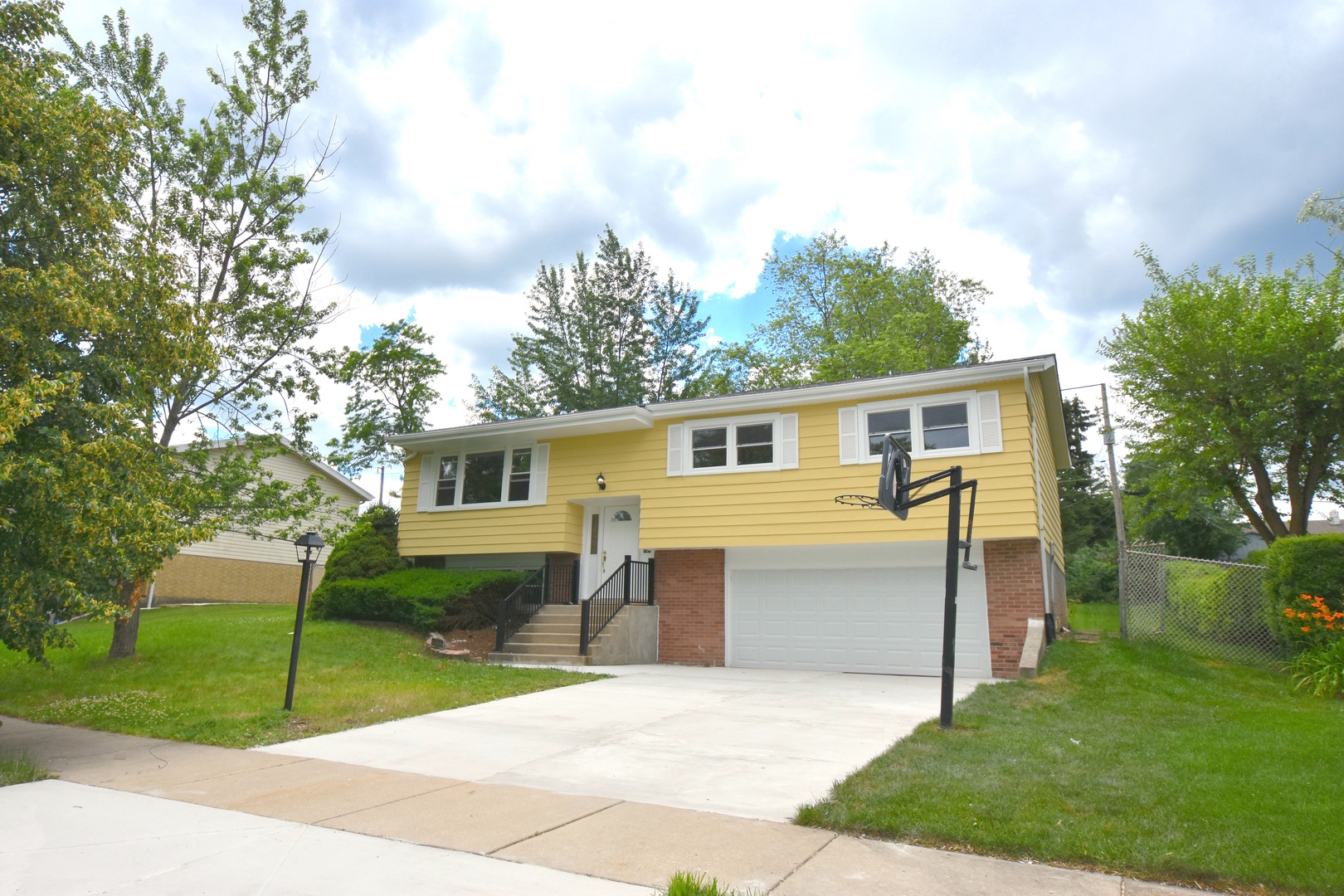 Photo of 8932 South 85th Court  HICKORY HILLS  IL