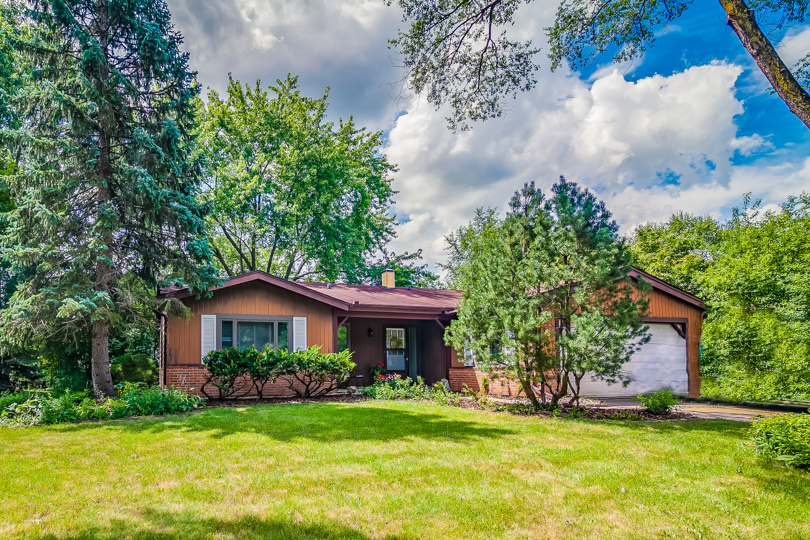 Photo of 405 Greentree Parkway  LIBERTYVILLE  IL
