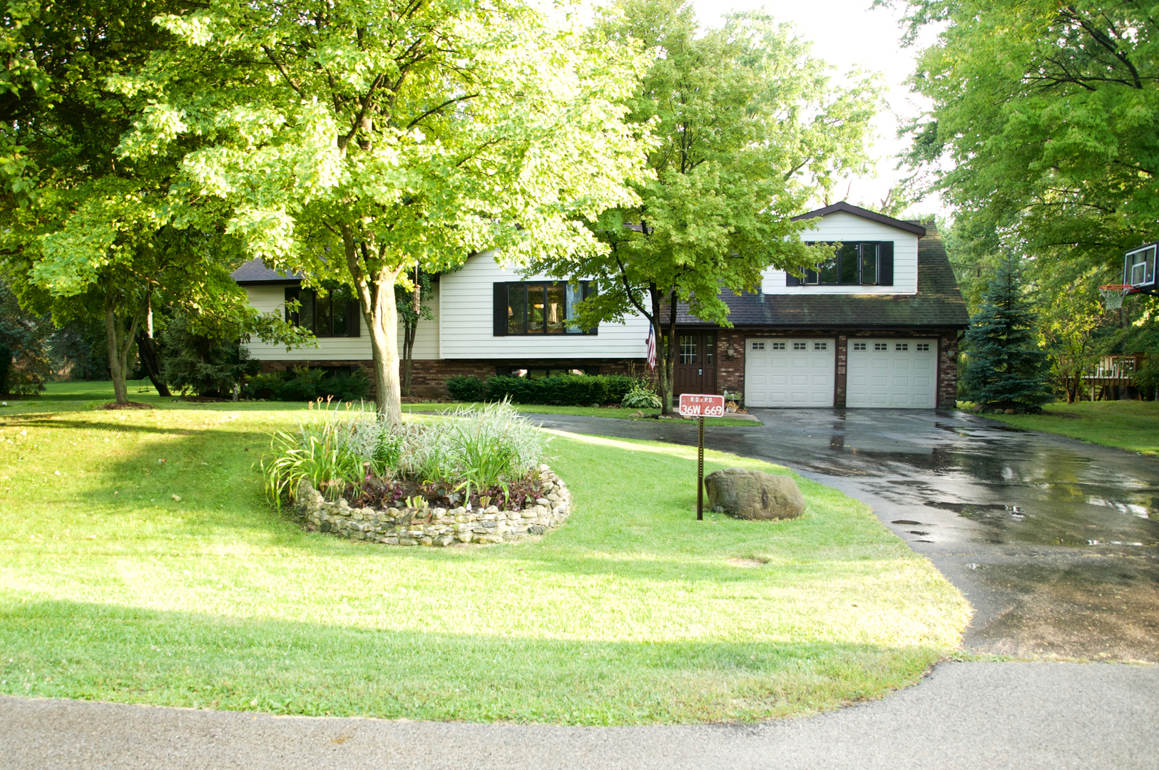 Photo of 36W669 Hickory Hollow Drive  WEST DUNDEE  IL
