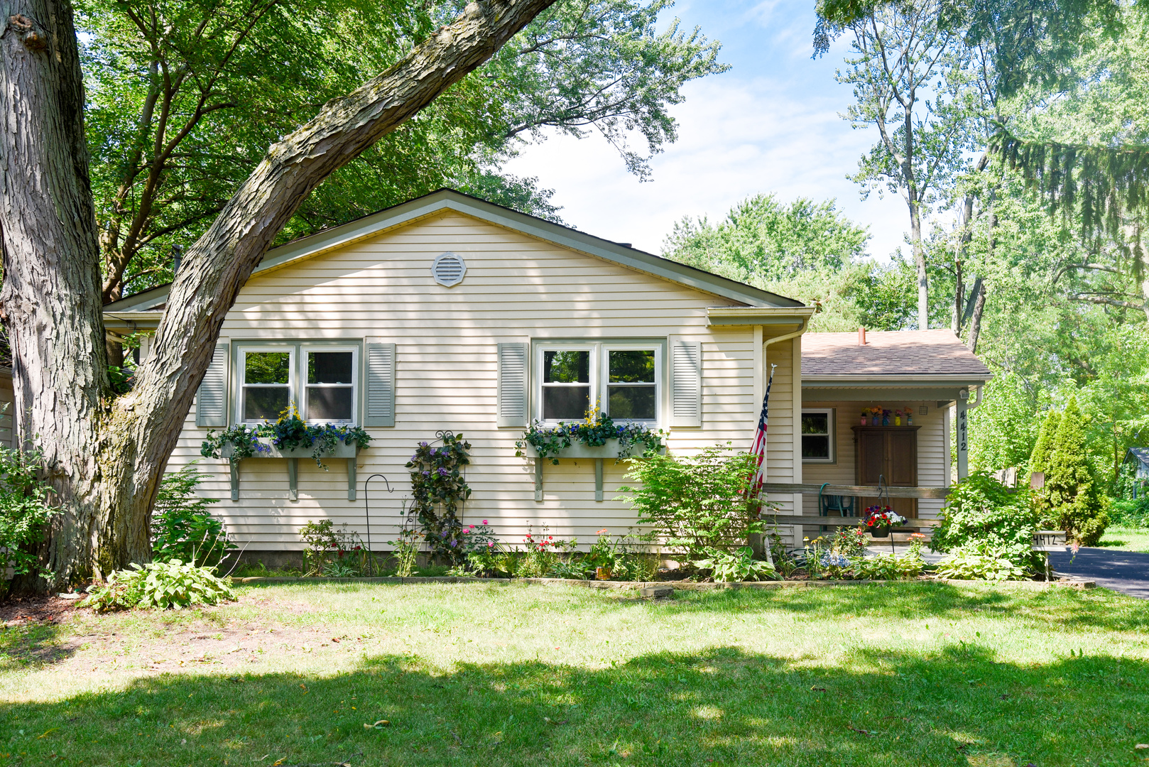 Photo of 4412 Florence Avenue  DOWNERS GROVE  IL