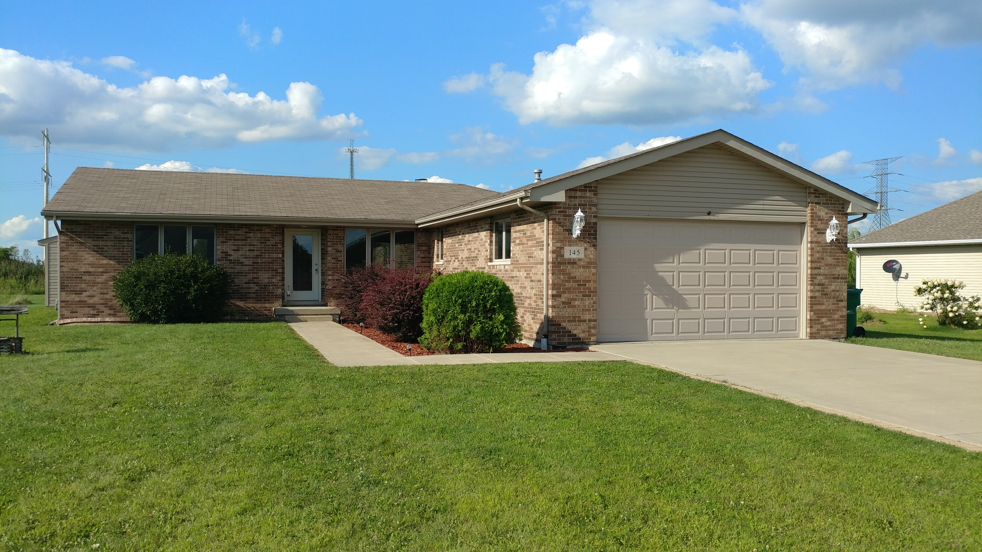 Photo of 145 HIGHPOINT Drive  ESSEX  IL