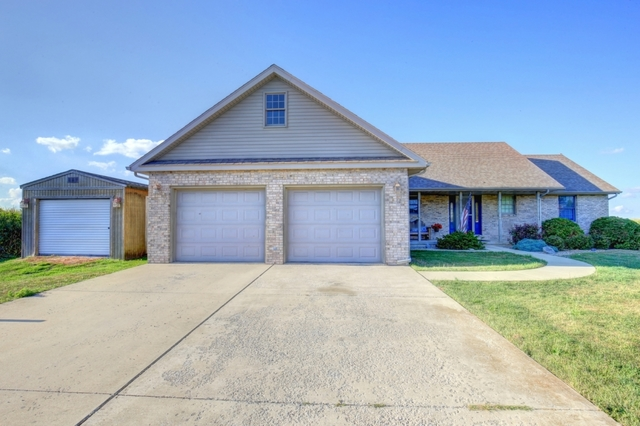 Photo of 205 Hawks Lane  BROADLANDS  IL