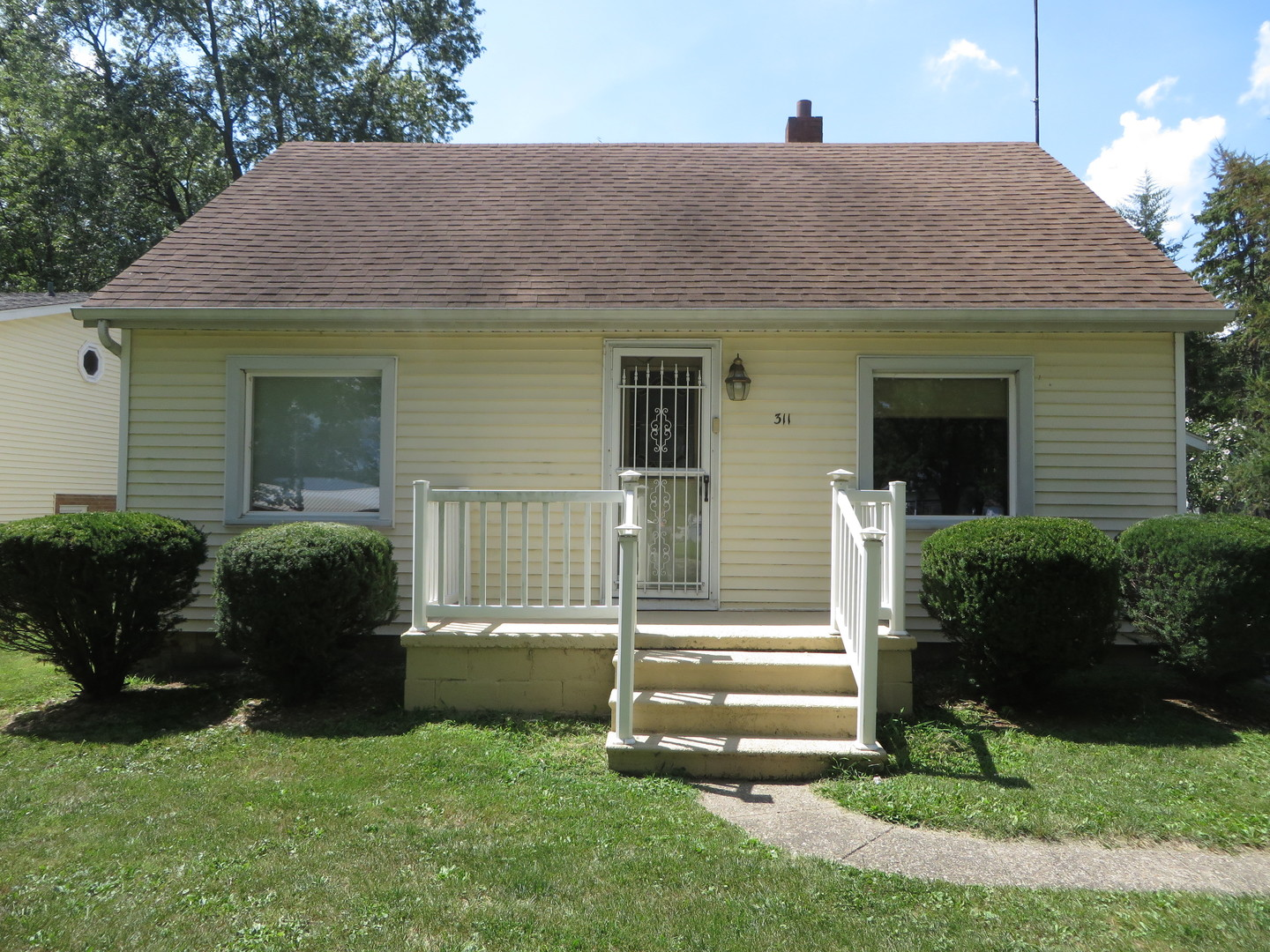 Photo of 311 South Meadow Street  GRANT PARK  IL