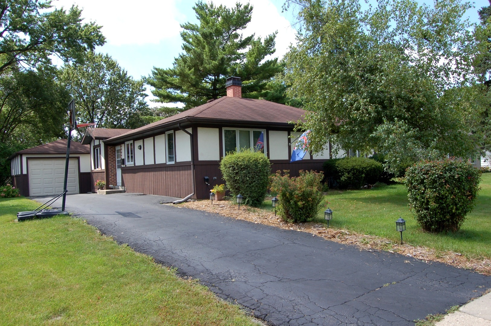Photo of 2203 Campbell Street  ROLLING MEADOWS  IL