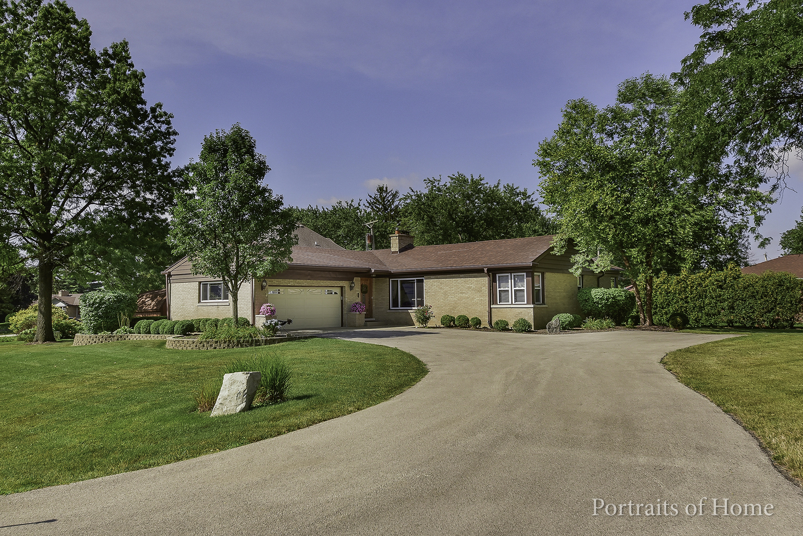 Photo of 21W155 WOODVIEW Drive  Itasca  IL