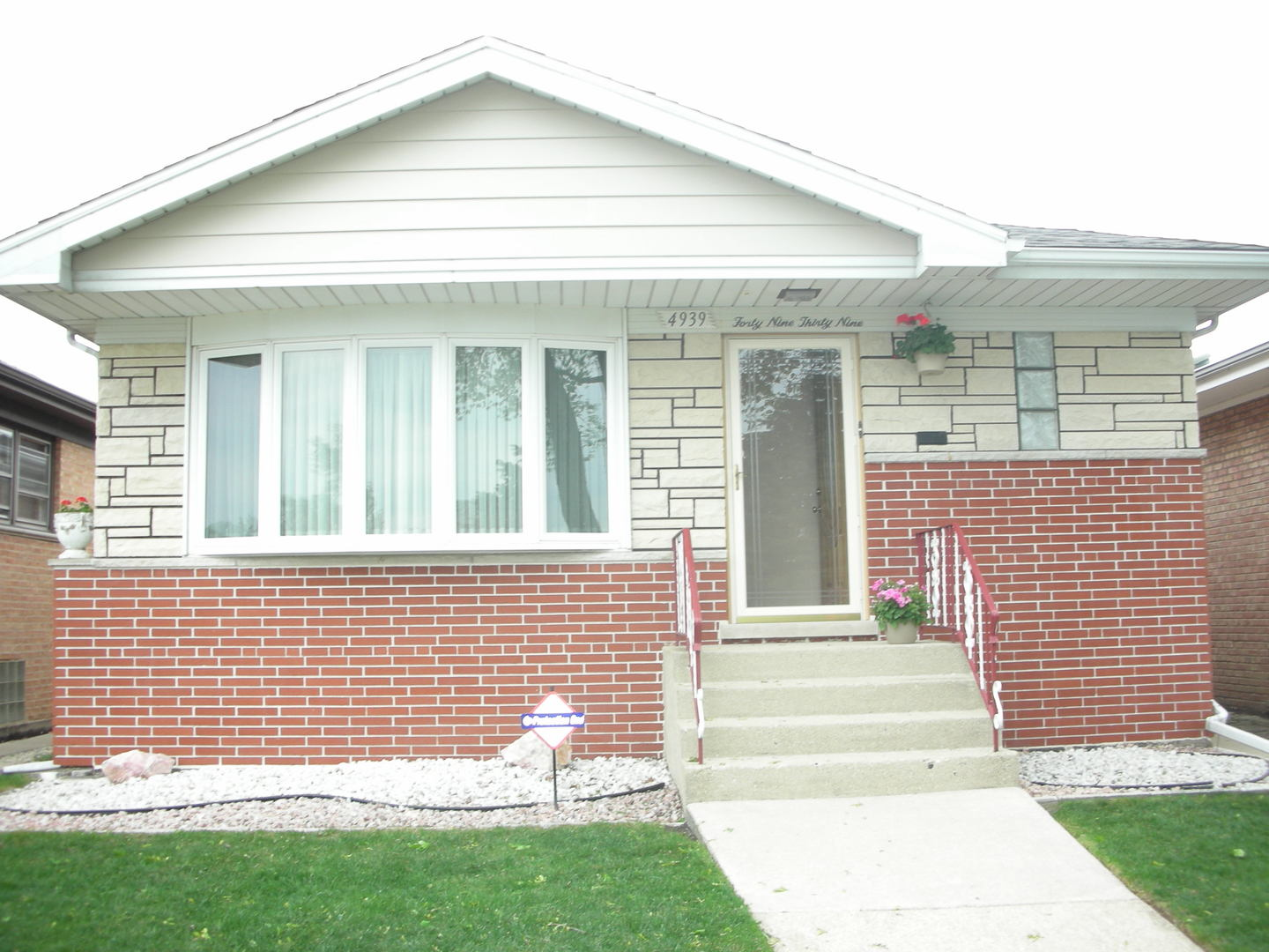 Photo of 4939 North ORIOLE Avenue  HARWOOD HEIGHTS  IL