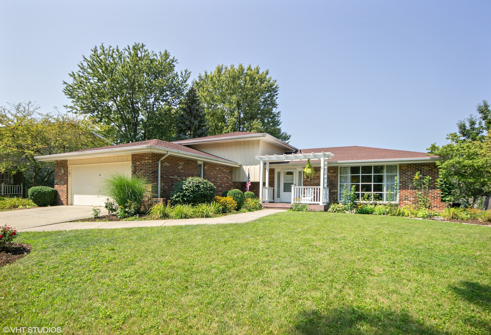 Photo of 613 Ca Crest Drive  SHOREWOOD  IL