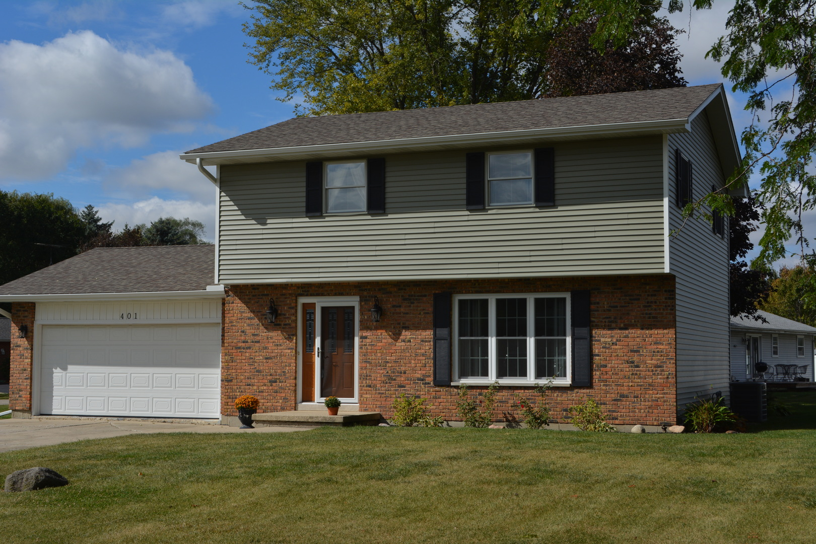 Photo of 401 North View Street  HINCKLEY  IL