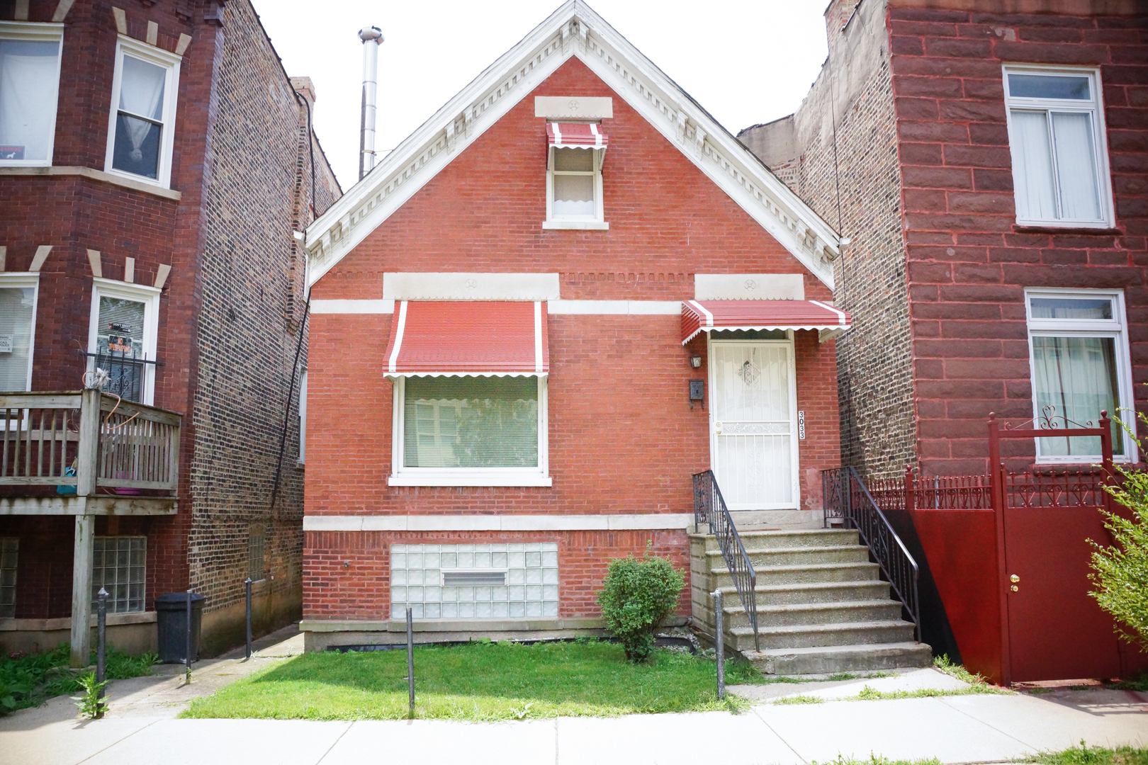 Photo of 3033 West Arthington Street  CHICAGO  IL
