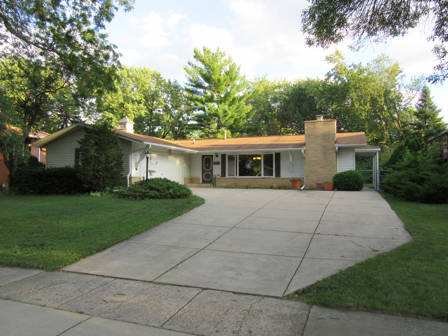 Photo of 743 Ridgeview Street  DOWNERS GROVE  IL