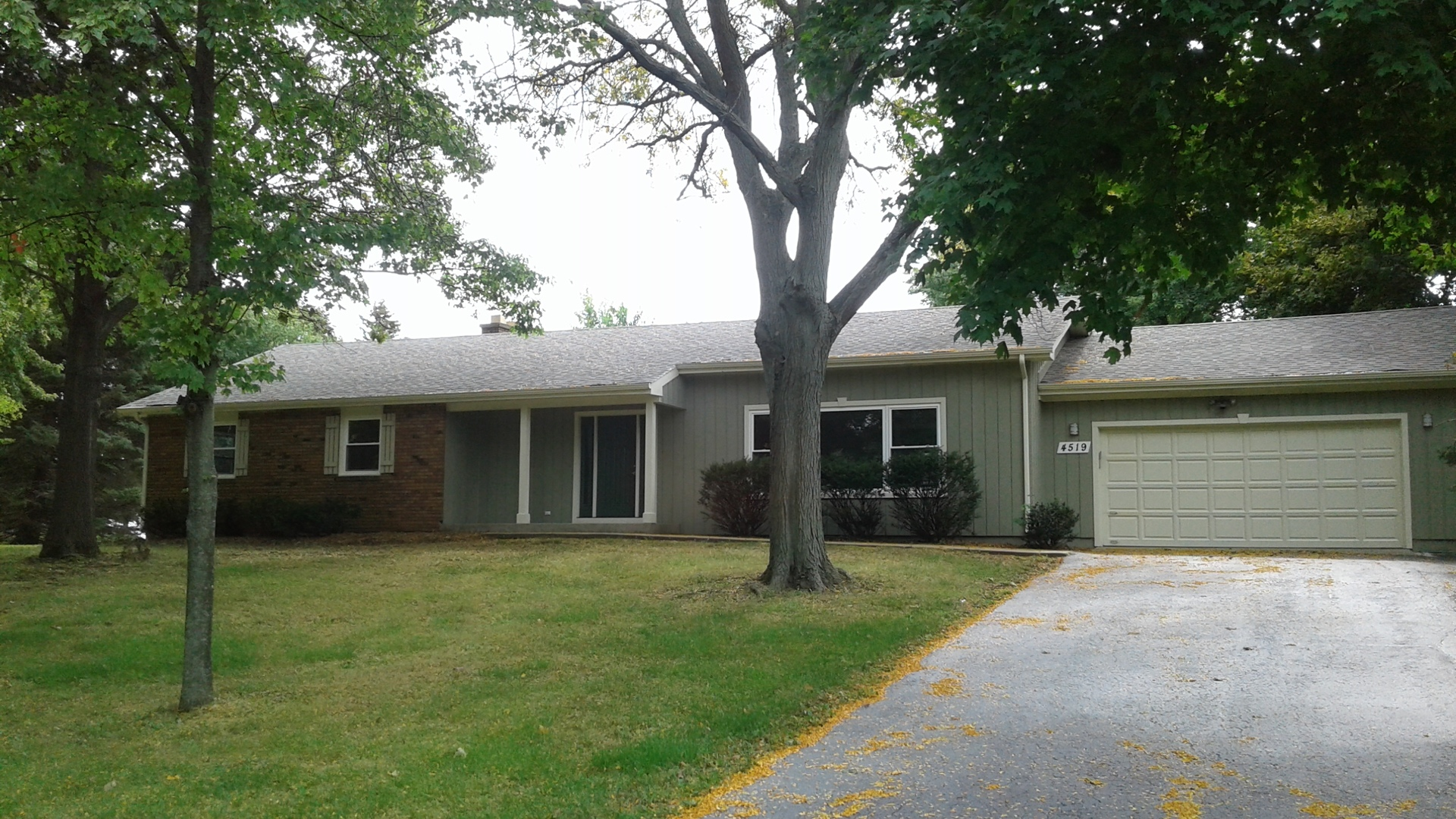 Photo of 4519 Drake Drive  CRYSTAL LAKE  IL