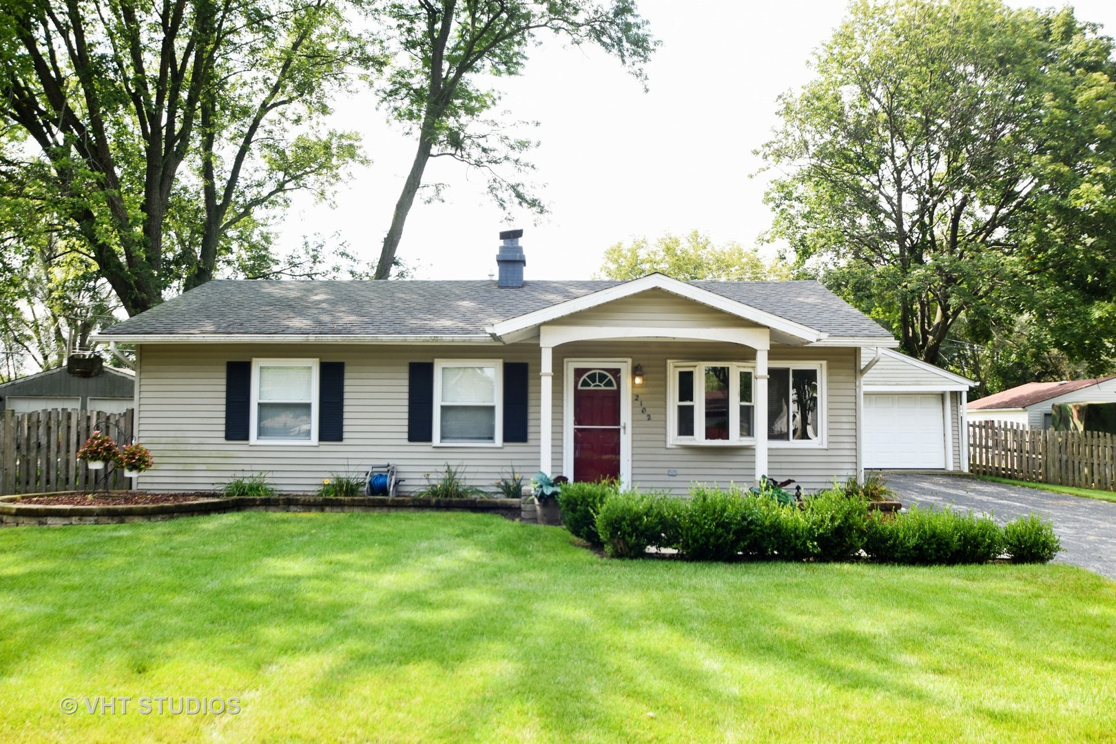 Photo of 2102 HOLLY Court  MCHENRY  IL