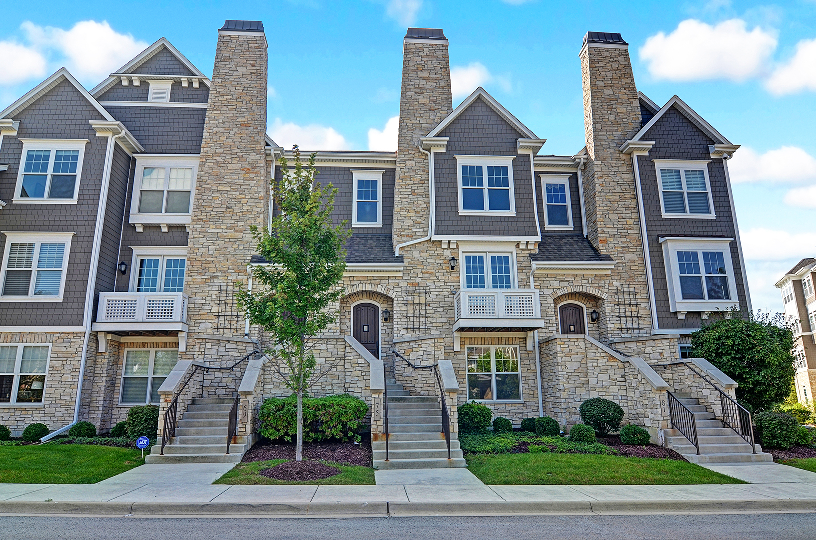 Photo of 75 West Kennedy Lane  HINSDALE  IL