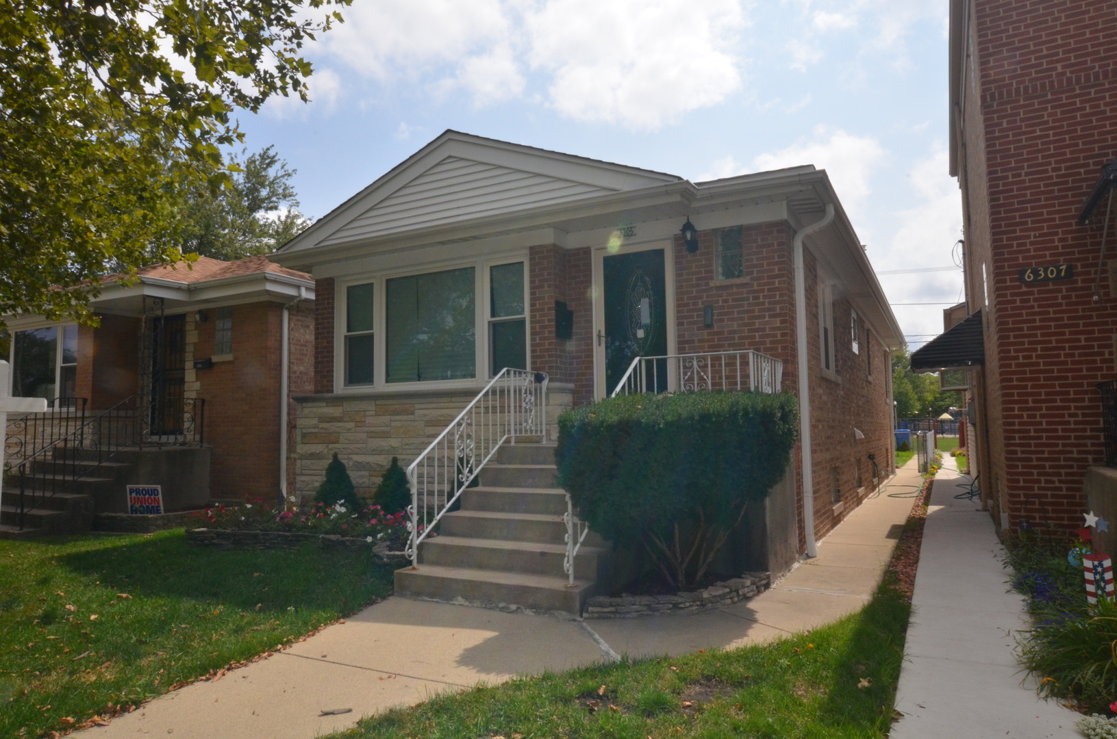 Photo of 6305 West Peterson Avenue  CHICAGO  IL