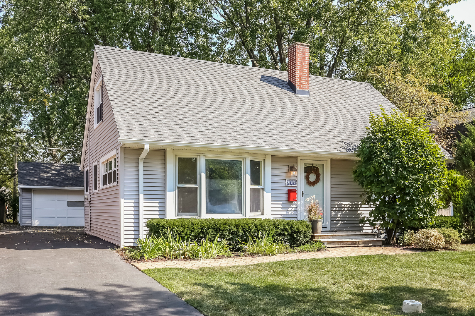 Photo of 817 South Chestnut Avenue  ARLINGTON HEIGHTS  IL