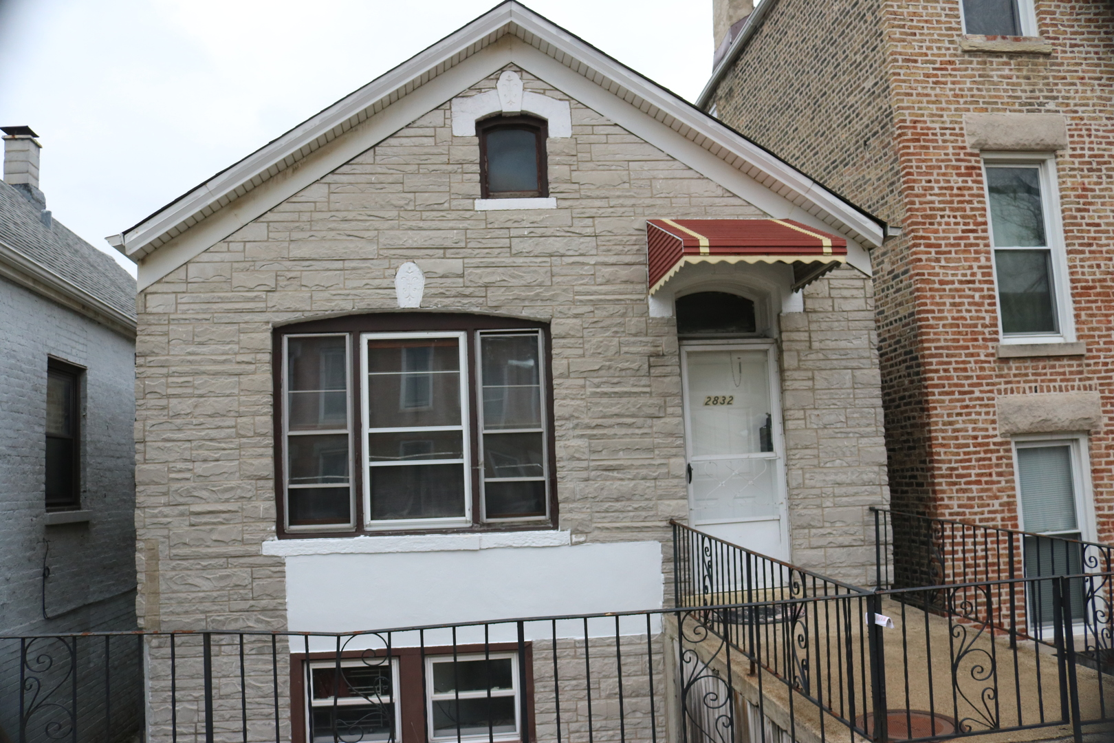 Photo of 2832 South Keeley Street  CHICAGO  IL