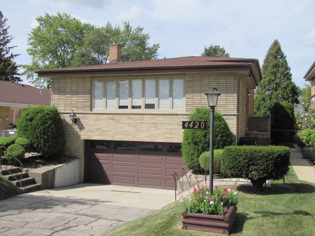 Photo of 4420 North CANFIELD Avenue  NORRIDGE  IL
