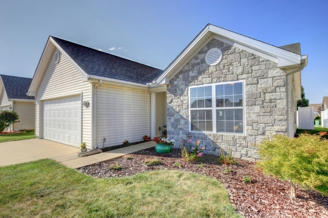 712 NEWTON Drive, Champaign in Champaign County, IL 61822 Home for Sale