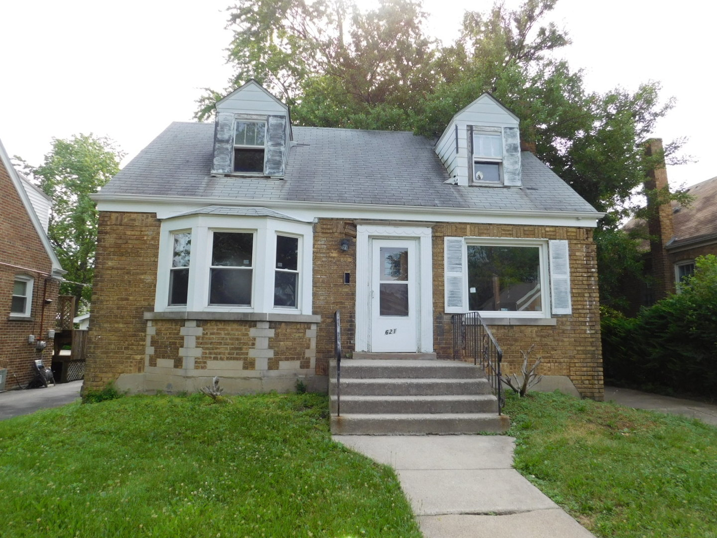 Photo of 621 Emerald Avenue  CHICAGO HEIGHTS  IL
