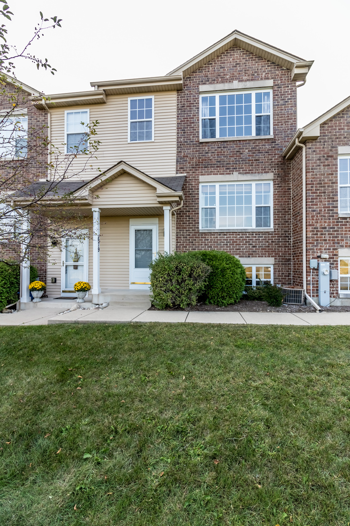 Photo of 679 East Willow Street  ELBURN  IL