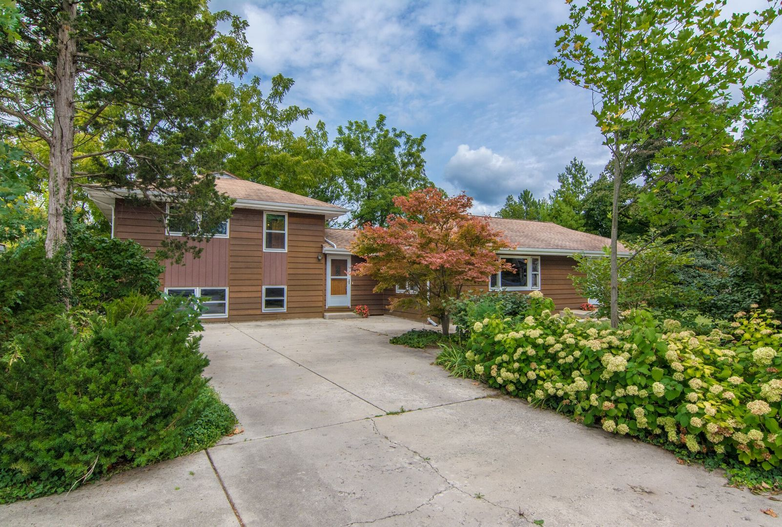 Photo of 13 Willow Terrace  LAKE ZURICH  IL