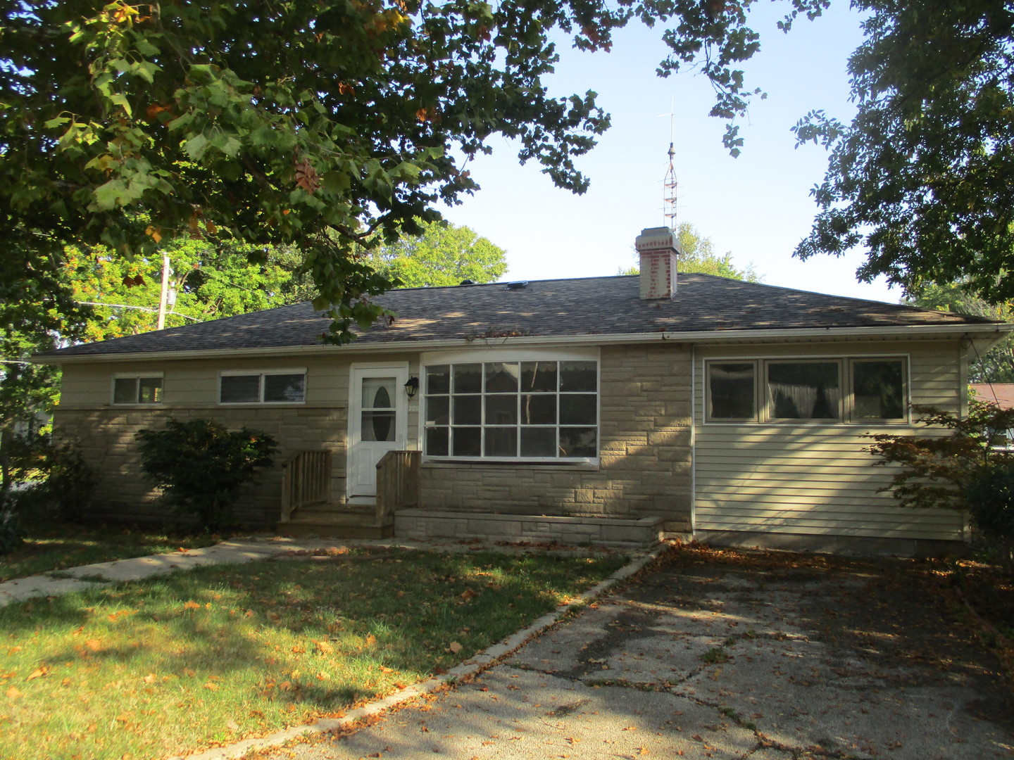 Photo of 320 West Orchard Street  ATWOOD  IL