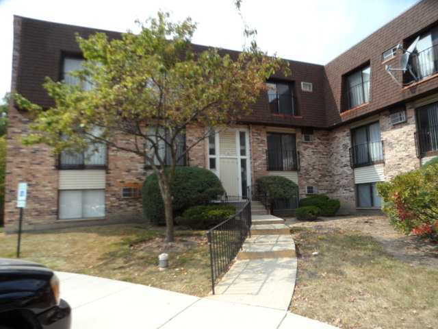 Photo of 160 South Waters Edge Drive  GLENDALE HEIGHTS  IL