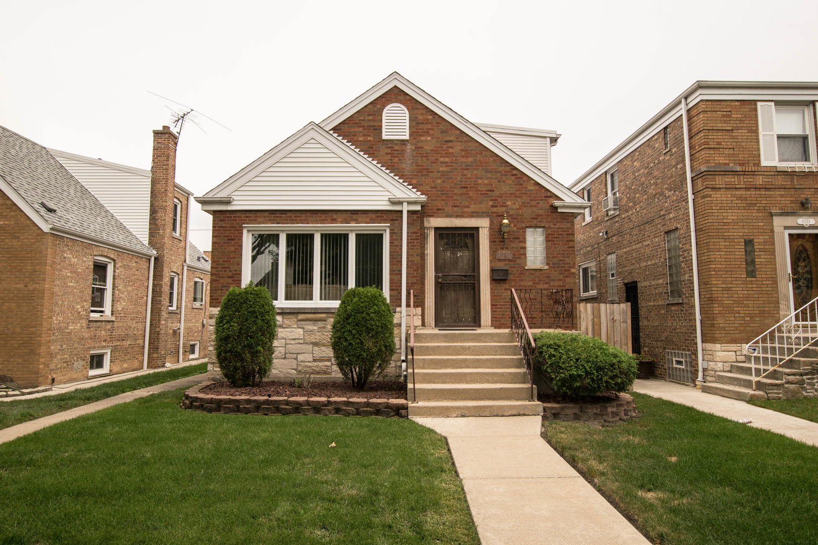 Photo of 8231 South Sawyer Avenue  CHICAGO  IL