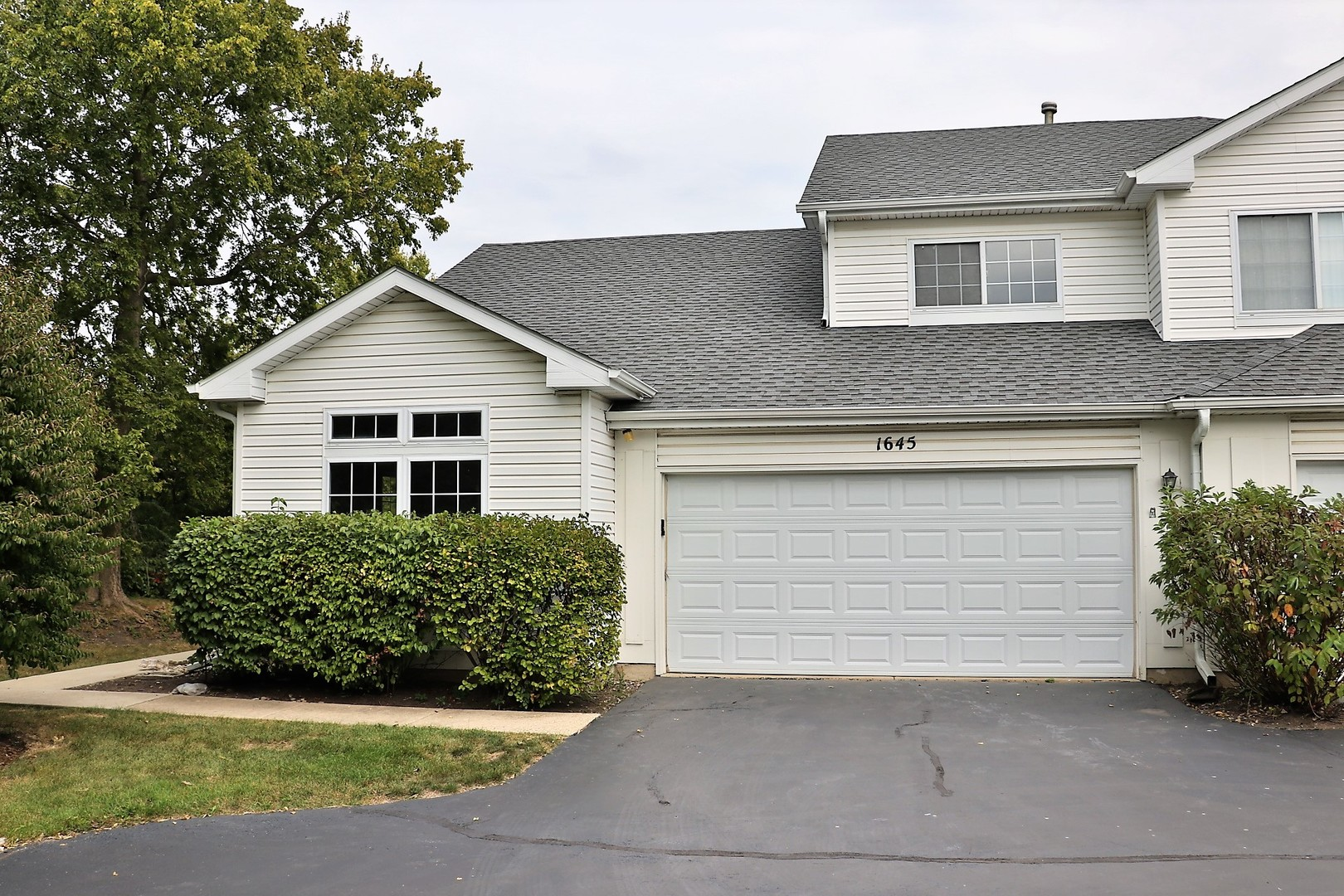 Photo of 1645 WATERFORD Road  NORTH AURORA  IL