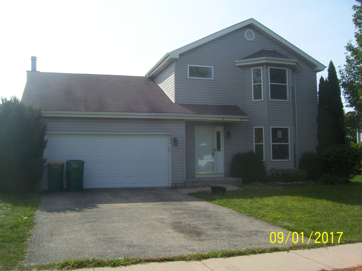 Photo of 905 Cottonwood Drive  ELWOOD  IL
