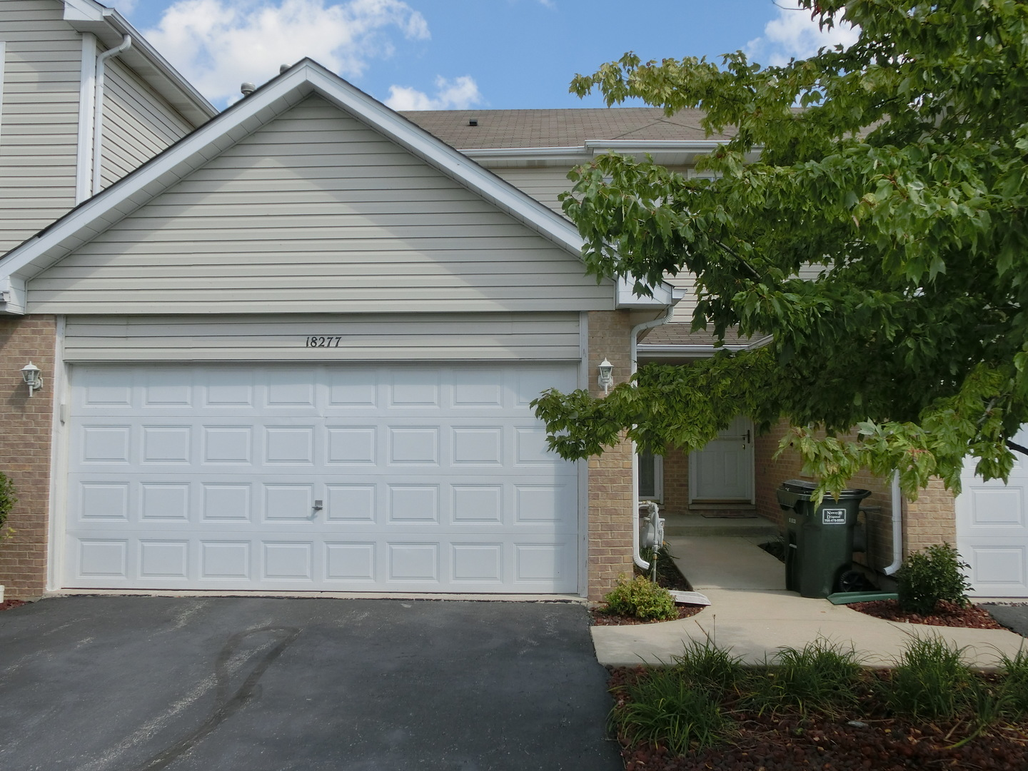 Photo of 18277 KIRBY Drive  TINLEY PARK  IL