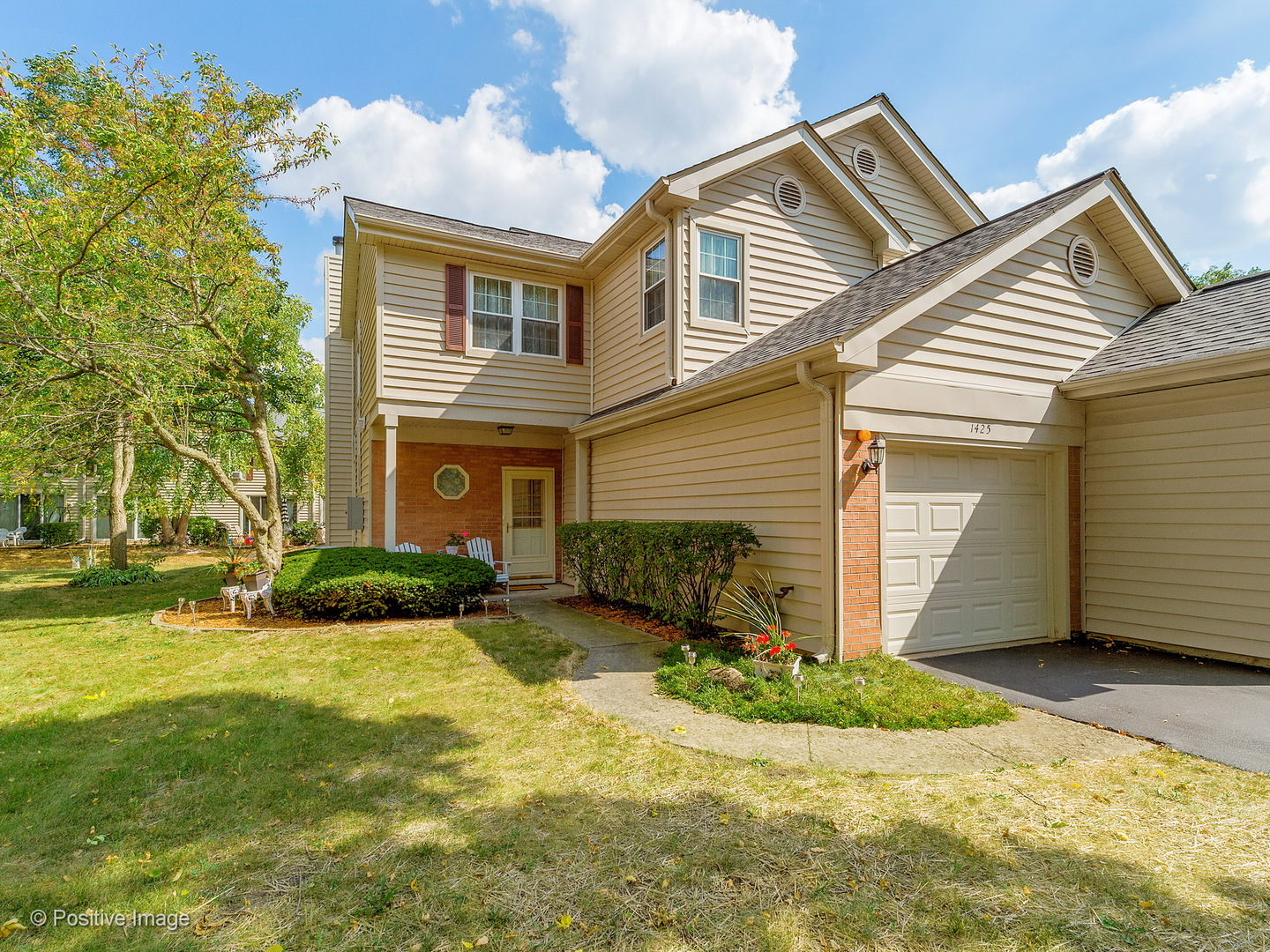 Photo of 1425 Golfview Drive  GLENDALE HEIGHTS  IL