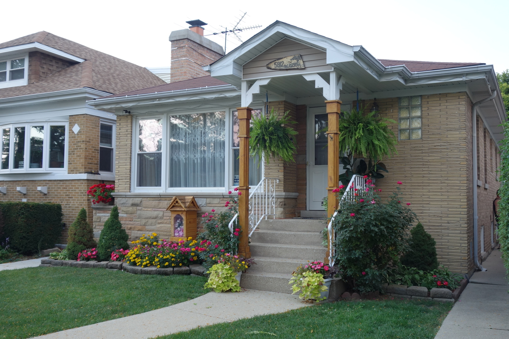 Photo of 5812 West Roscoe Street  CHICAGO  IL