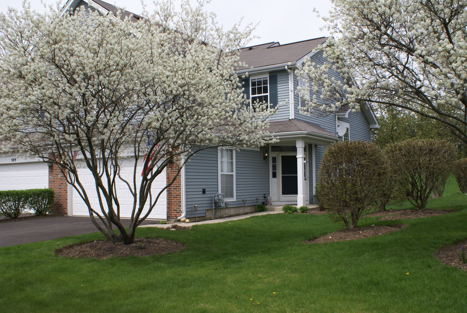 Photo of 511 KING Avenue  EAST DUNDEE  IL