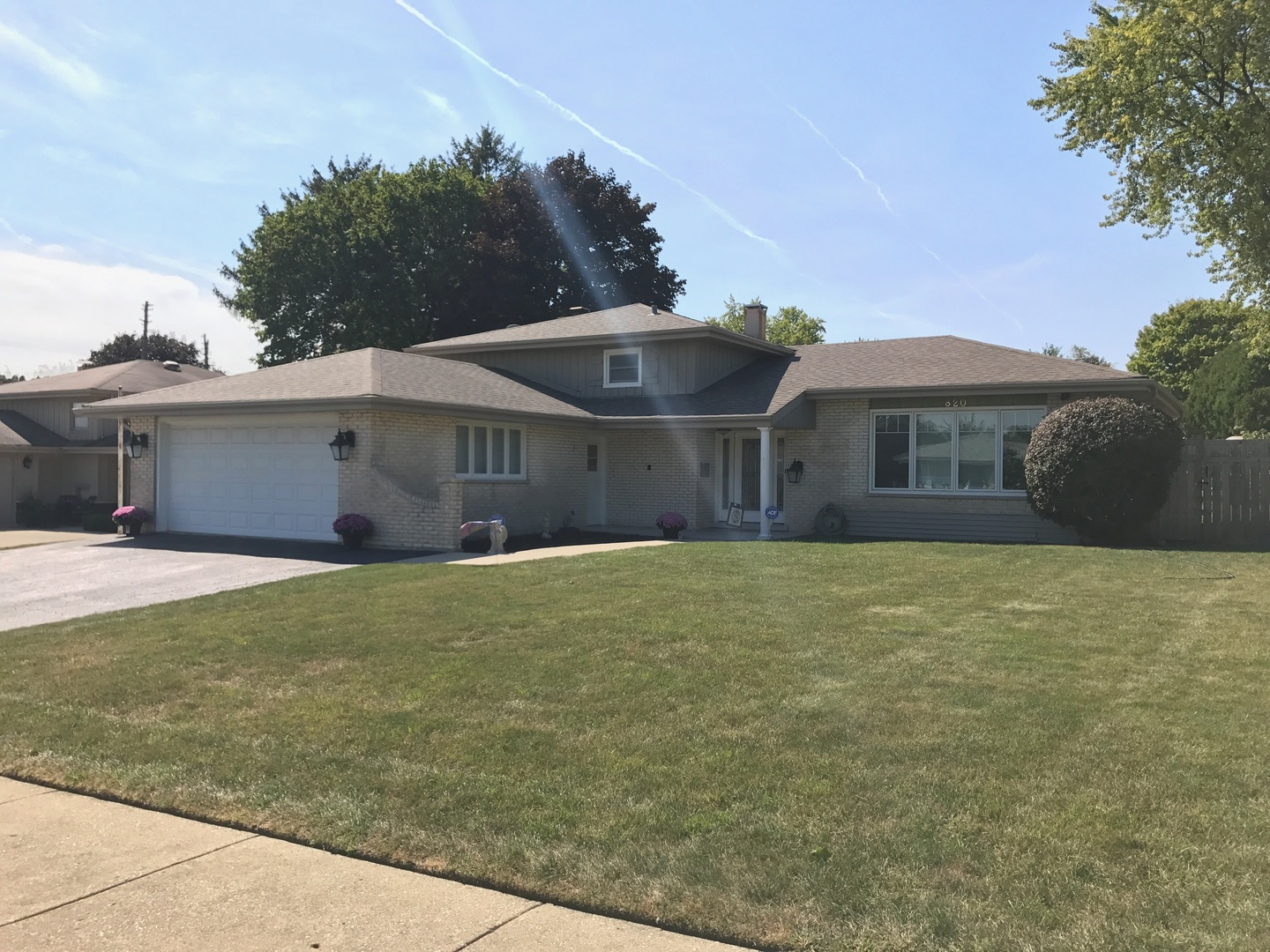 Photo of 820 West Heritage Drive  ADDISON  IL