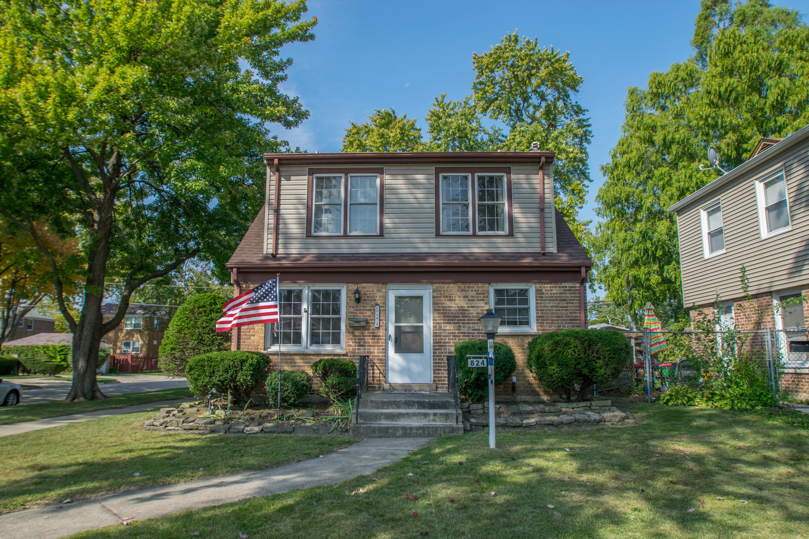 Photo of 824 Hull Avenue  WESTCHESTER  IL