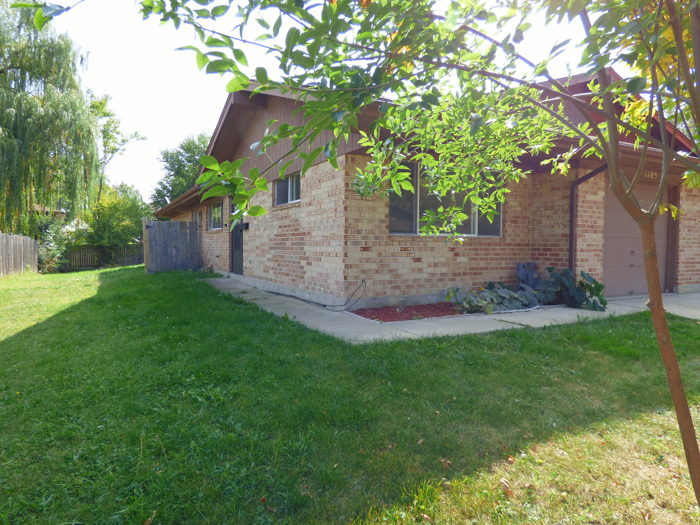Photo of 1105 Fulton Drive  STREAMWOOD  IL