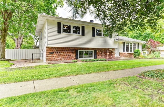 Photo of 1122 Coolidge Avenue  WHEATON  IL
