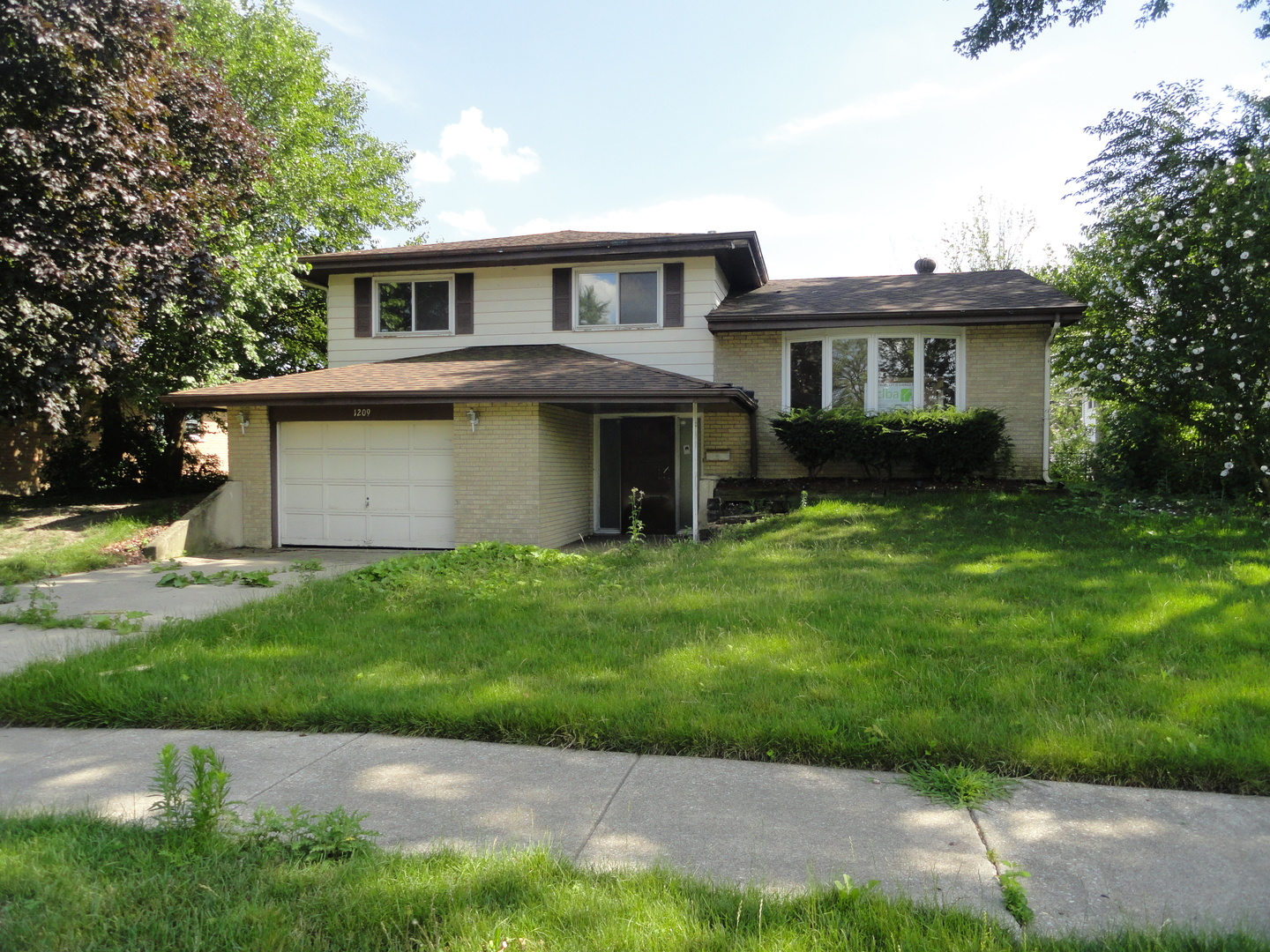 Photo of 1209 East 168th Street  SOUTH HOLLAND  IL