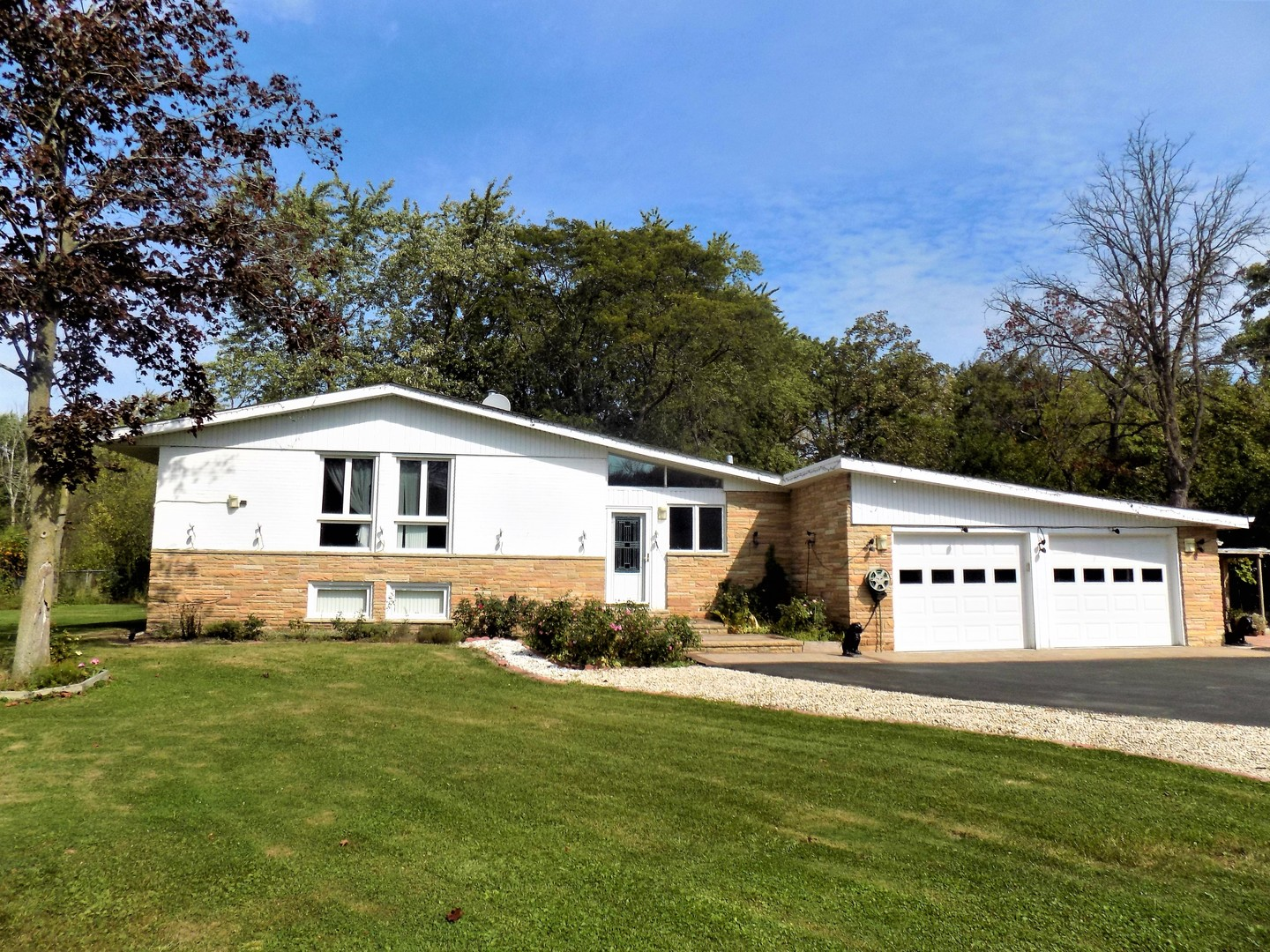 Photo of 2560 Deerfield Road  RIVERWOODS  IL