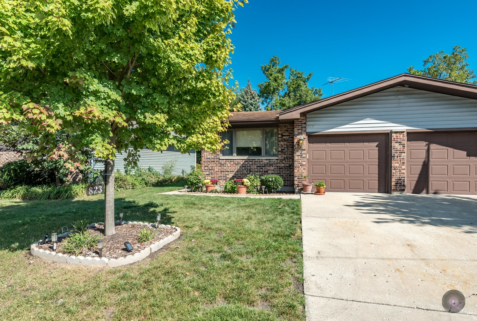 Photo of 823 Horseshoe Drive  JOLIET  IL