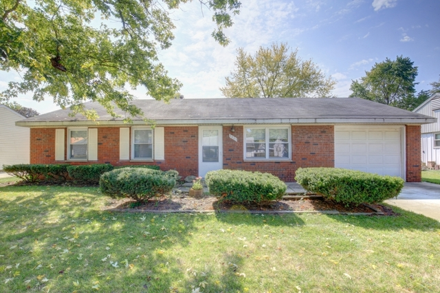 2805 Carrelton Drive, Champaign in Champaign County, IL 61821 Home for Sale