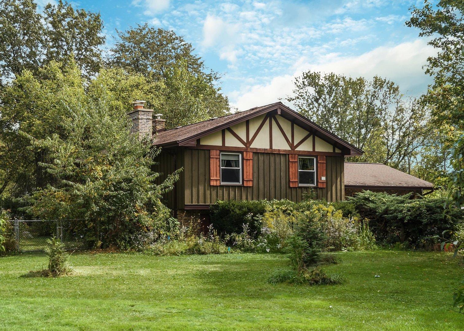 202 Linden Road, Lake Zurich, Illinois