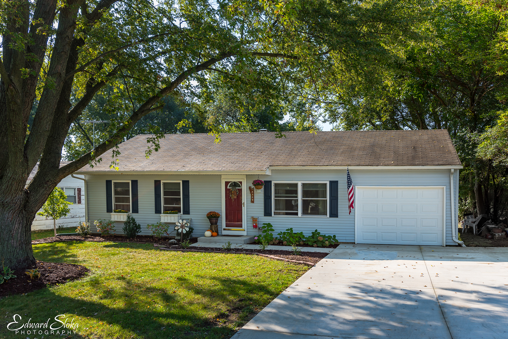 Photo of 3209 Miller Drive  MCHENRY  IL
