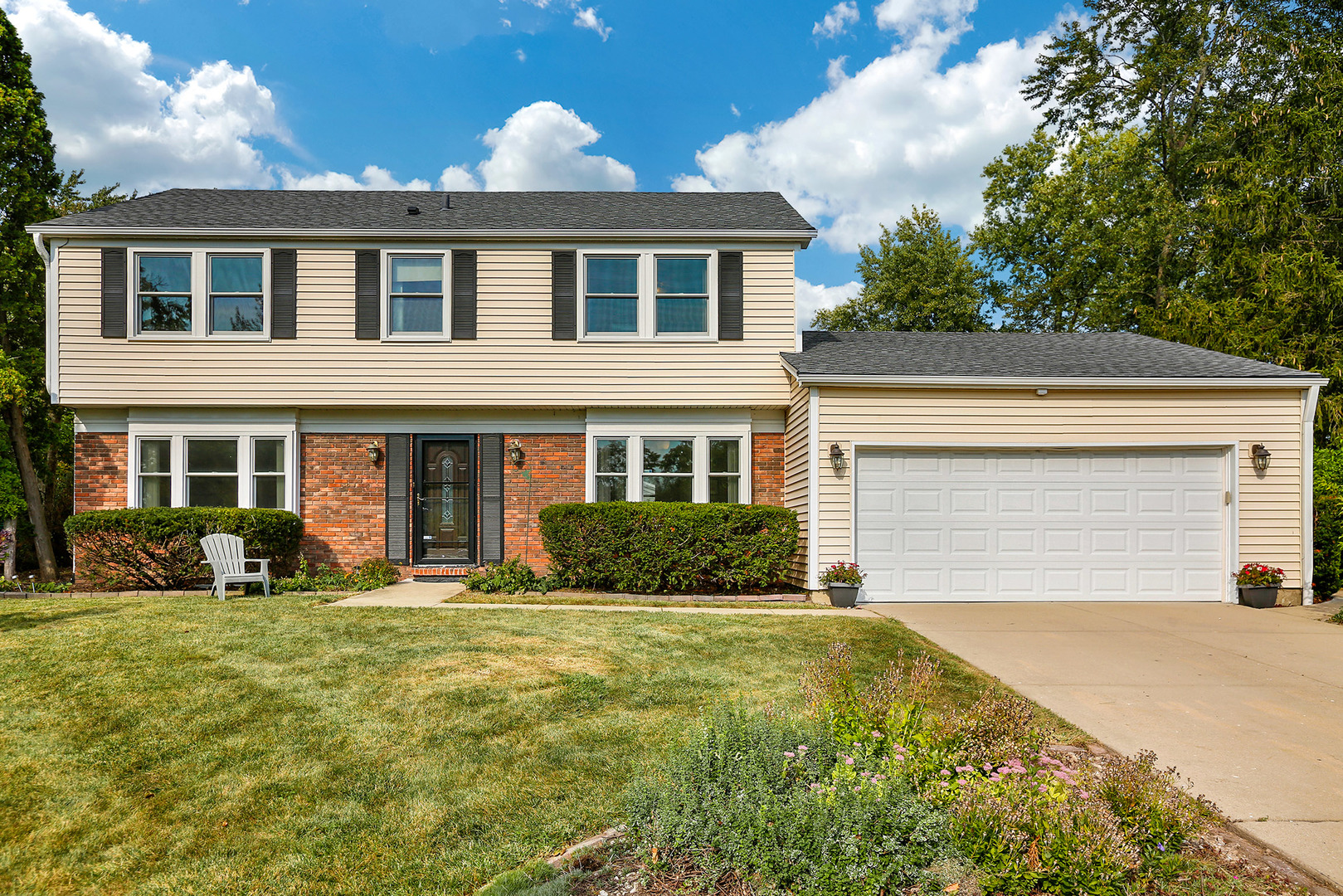 1085 Parker Lane, Buffalo Grove in Lake County, IL 60089 Home for Sale