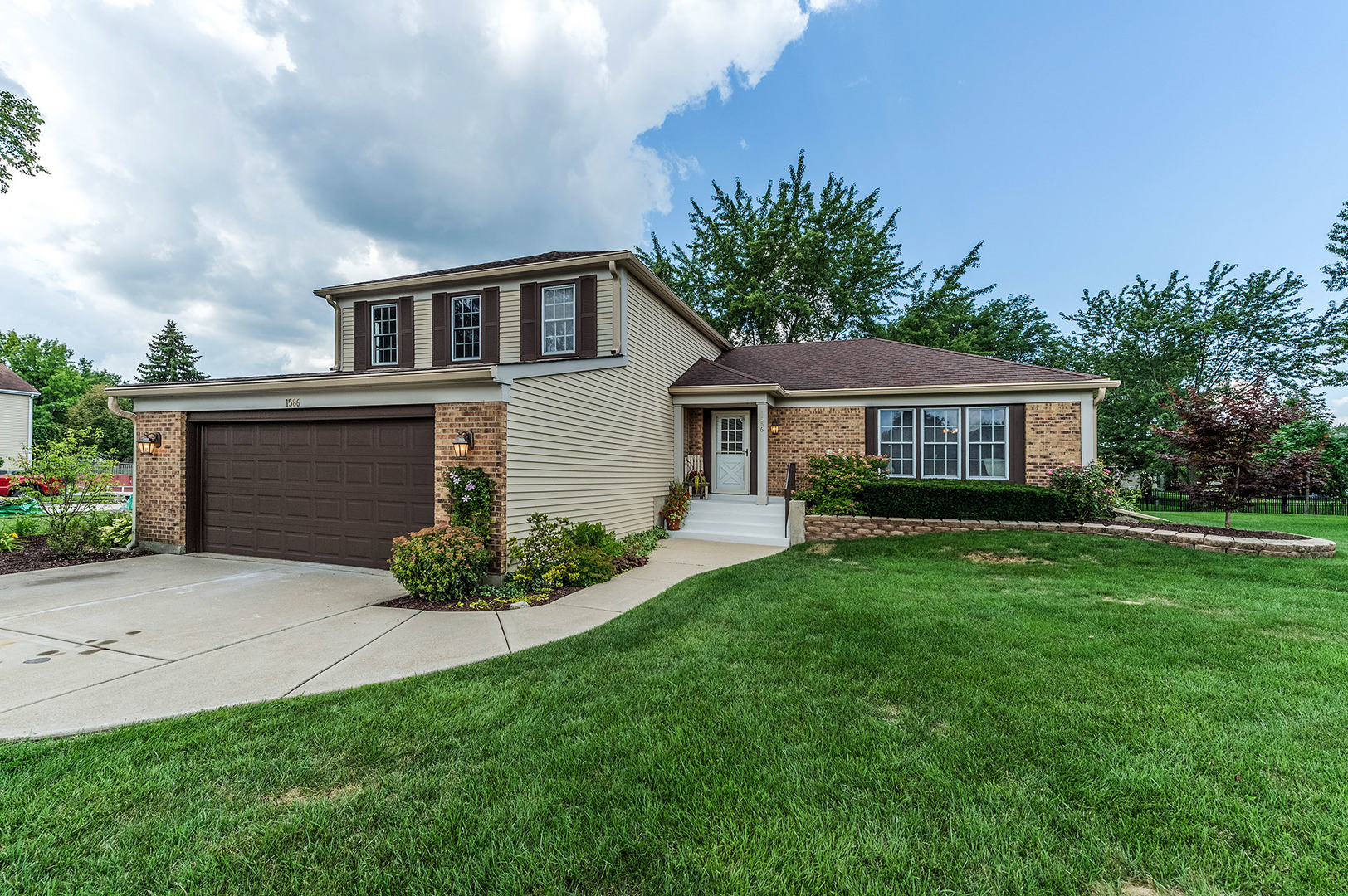 Photo of 1586 Scottdale Circle  WHEATON  IL